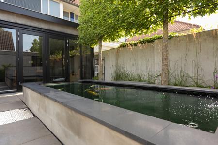 Moderne tuinen heart for gardens for Tuin inrichten voorbeelden