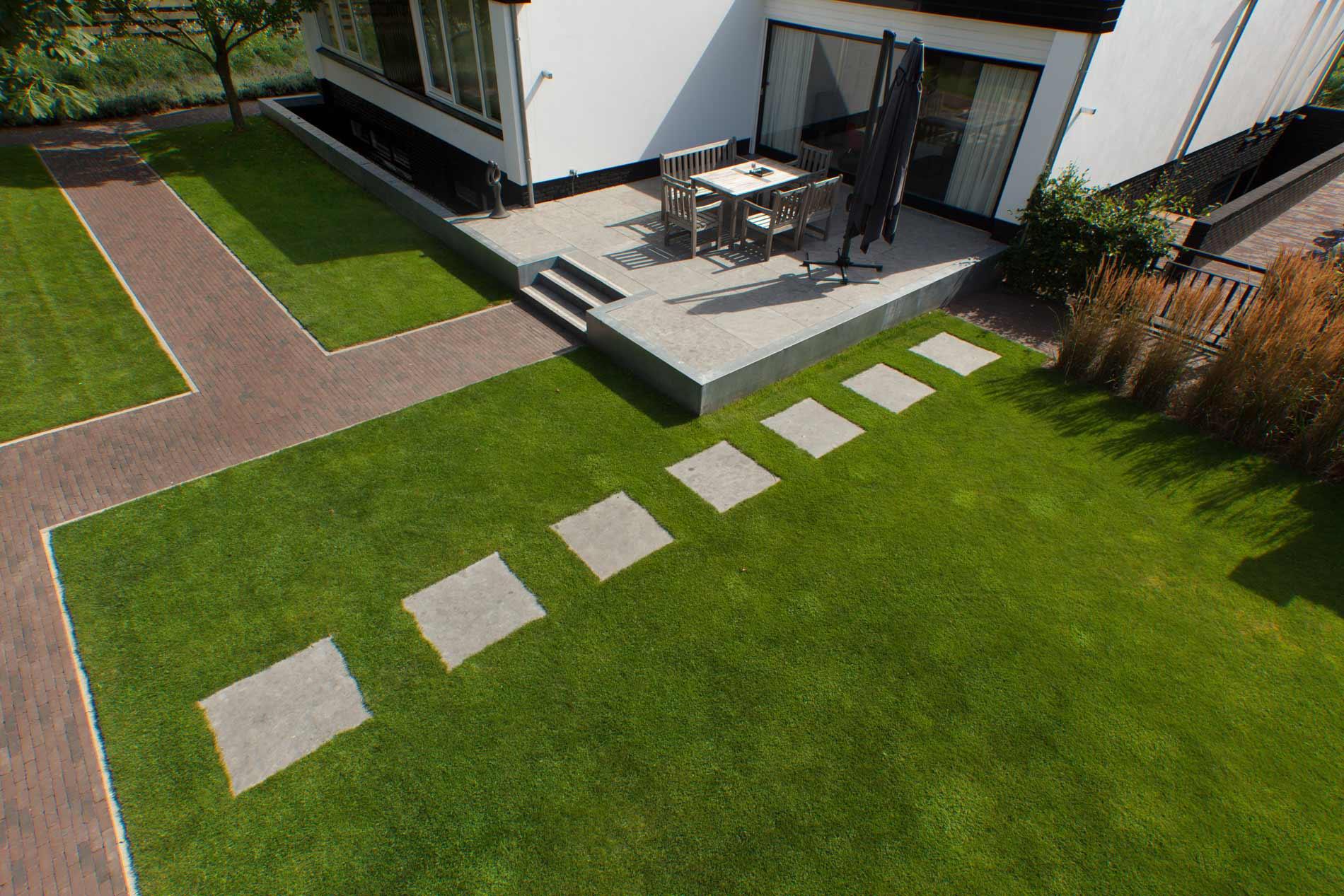 Strakke tuinen heart for gardens for Strakke kleine tuin