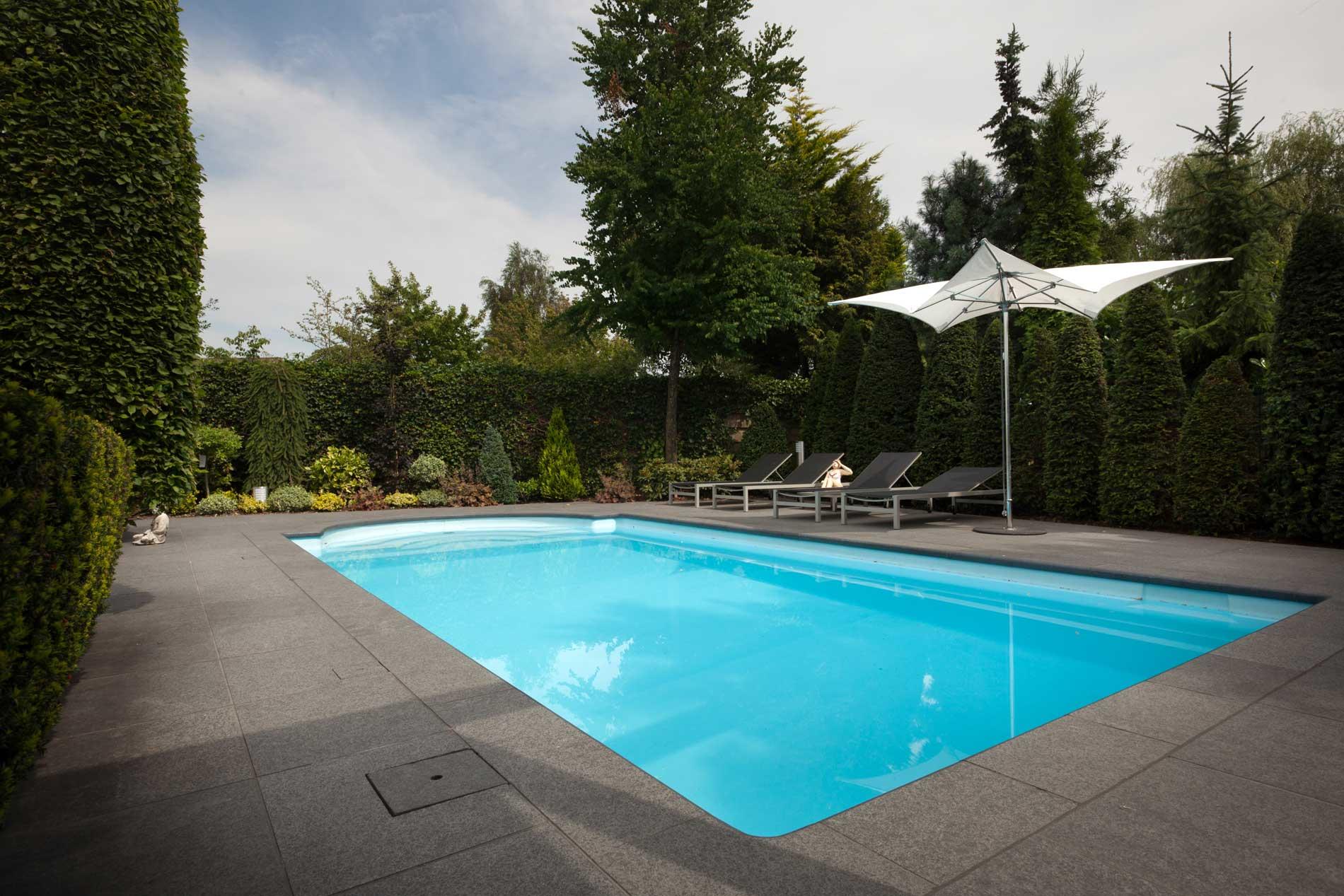 Zwembad tuinen van heart for gardens ontwerp aanleg en for Afmetingen zwembad tuin